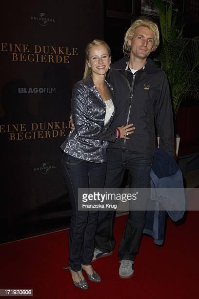 Susanne Bormann Und Begleitung Bei Der Premiere Des Films Eine Dunkle Begierde Im Kino Astor Lounge In Berlin 311011