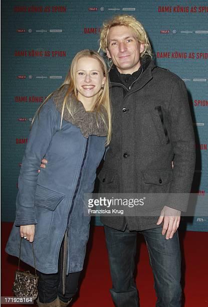 Susanne Bormann Und Nikolai Ziel Bei Der Premiere Von Dame König As Spion In Berlin 240112