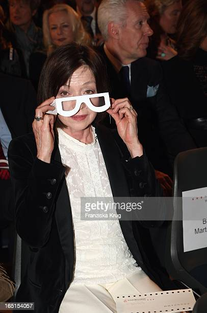 Susanne Juhnke Mit Einer Brille Die Die Sehkraft Einschränkt Bei Der Verleihung Des 7 Deutschen Hörfilmpreis Im Atrium Der Deutschen Bank In Berlin