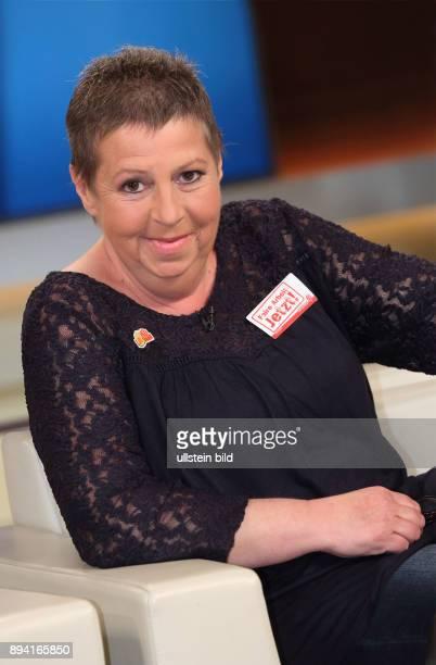 Susanne Neumann in der ARDTalkshow ANNE WILL am in Berlin Heute kleiner Lohn morgen Altersarmut Versagt der Sozialstaat