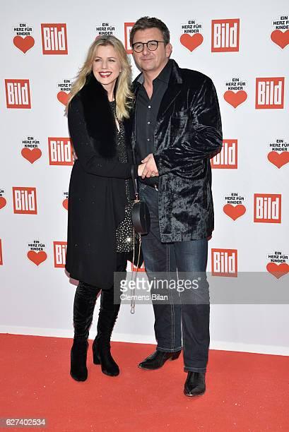 Susanne Sigl and Hans Sigl attend the Ein Herz Fuer Kinder Gala 2016 on December 3 2016 in Berlin Germany
