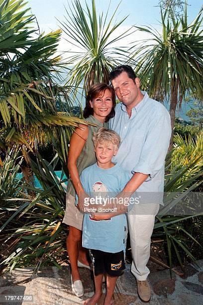 Susanne Uhlen mit Lebensgefährte HenryDawidowicz und Sohn Christopher UrlaubSt Tropez