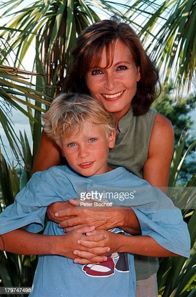 Susanne Uhlen mit Sohn ChristopherUrlaub St Tropez