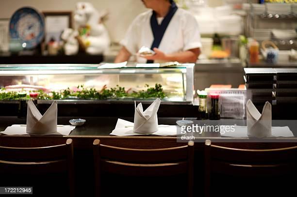 寿司バー」は、お客様をお待ちしております。