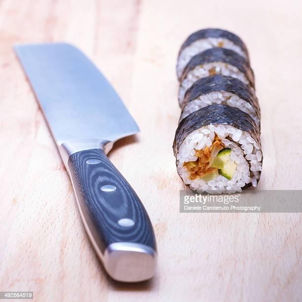 sushi maki cut - daniele carotenuto stock-fotos und bilder