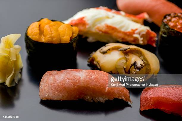sushi - washoku fotografías e imágenes de stock