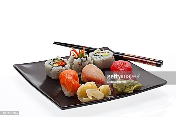 plato sushi - sashimi fotografías e imágenes de stock