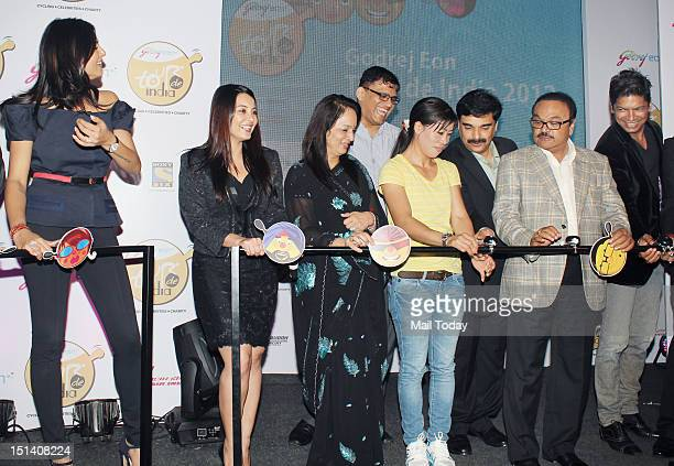 Sushmita Sen Minissha Lamba Smita Thackeray Mary Kom Chhagan Bhujbal and Shaan during Godrej eons cycling event at Tote in Mumbai on September 5 2012