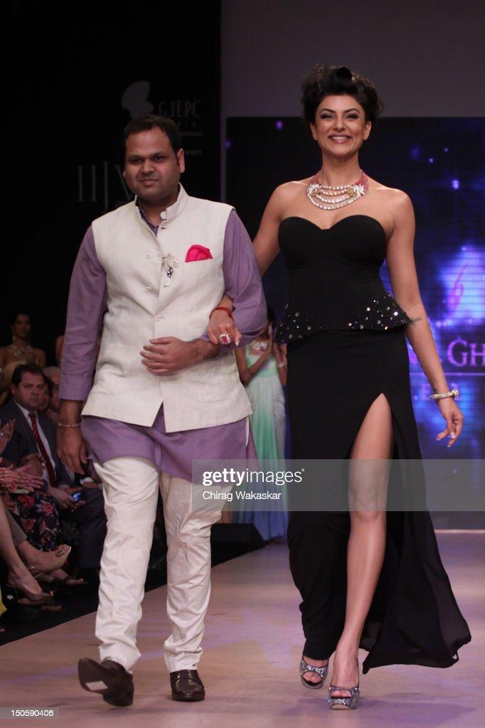 India International Jewellery Week 2012 Day 4