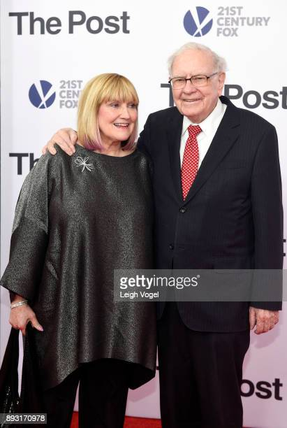 Susie Buffett and Warren Buffett arrive at The Post Washington DC Premiere at The Newseum on December 14 2017 in Washington DC