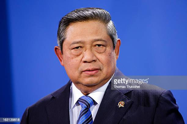 Susilo Bambang Yudhoyono President of Indonesia speaks to the press after a meeting with German Chancellor Angela Merkel at the Chancellery on March...
