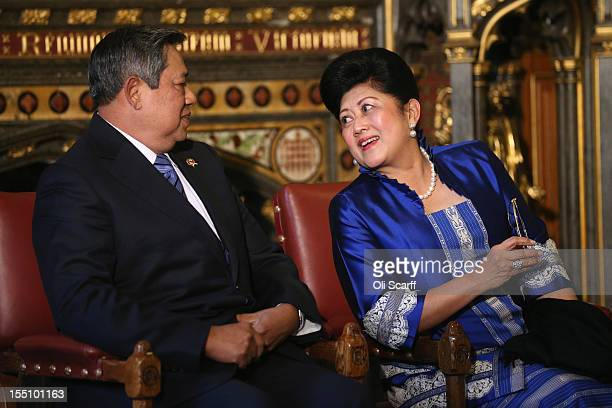 Susilo Bambang Yudhoyono the President of the Republic of Indonesia sits with his wife Ani Bambang Yudhoyono after delivering a speech to...