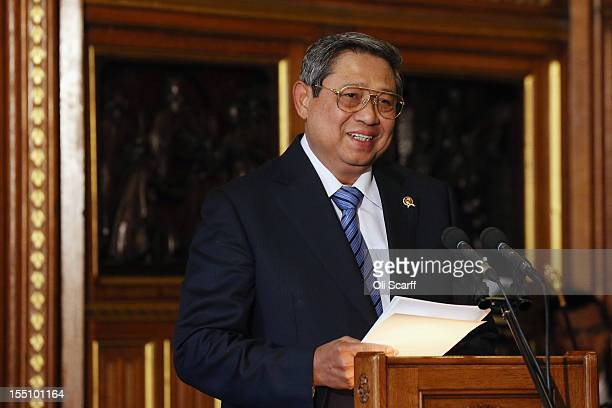 Susilo Bambang Yudhoyono the President of the Republic of Indonesia delivers a speech to parliamentarians in the Robing Room during of the Palace of...