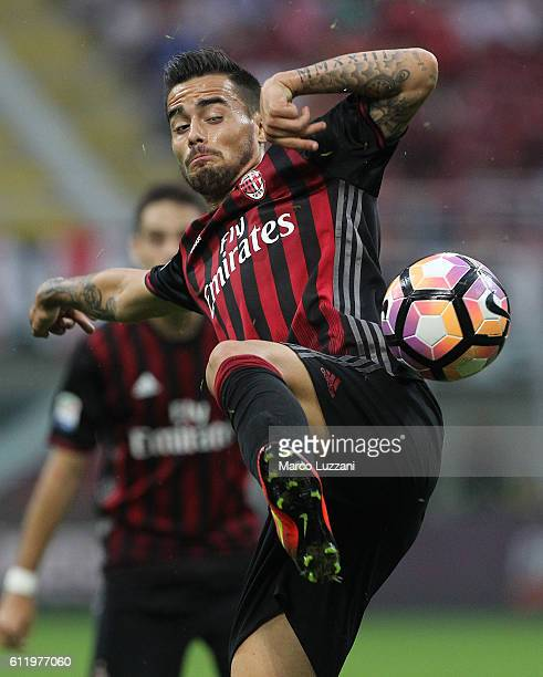 Suso of AC Milan attempts to control the ball during the Serie A match between AC Milan and US Sassuolo at Stadio Giuseppe Meazza on October 2 2016...