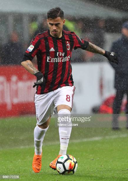 Suso of AC Milan controls the ball during the serie A match between AC Milan and AC Chievo Verona at Stadio Giuseppe Meazza on March 18 2018 in Milan...
