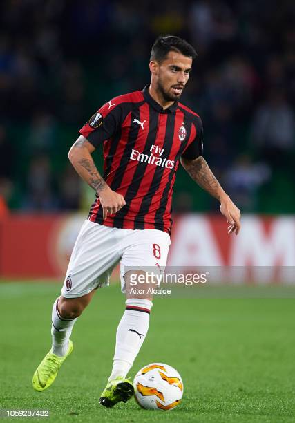 Suso of AC Milan in action during the UEFA Europa League Group F match between Real Betis and AC Milan at Estadio Benito Villamarin on November 8...