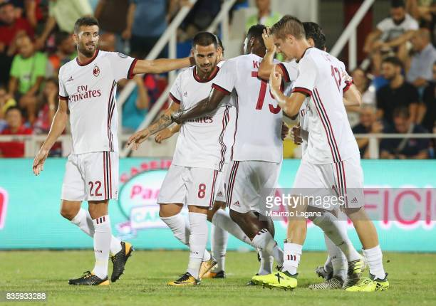 Suso of Milan celebrates after scoring his team's third goal during the Serie A match between FC Crotone and AC Milan on August 20 2017 in Crotone...