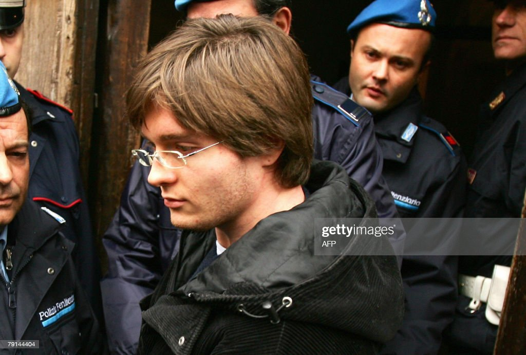 Suspect Raffaele Sollecito (C) is accomp : News Photo