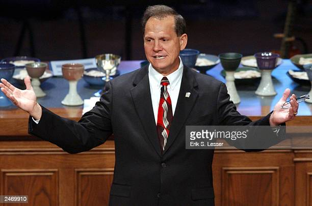 Suspended Alabama Chief Justice Roy Moore speaks to parishoners at The Church of the Apostles September 7 2003 in Atlanta Georgia Moore's Ten...