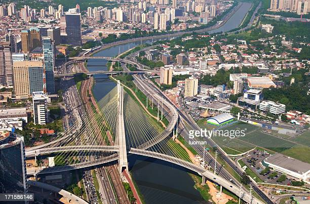 suspended bridge in sao paulo city - são paulo city stock pictures, royalty-free photos & images