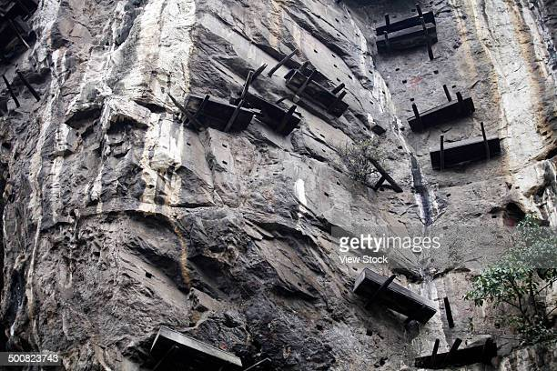 suspended coffins,sichuan,china - sarg stock-fotos und bilder