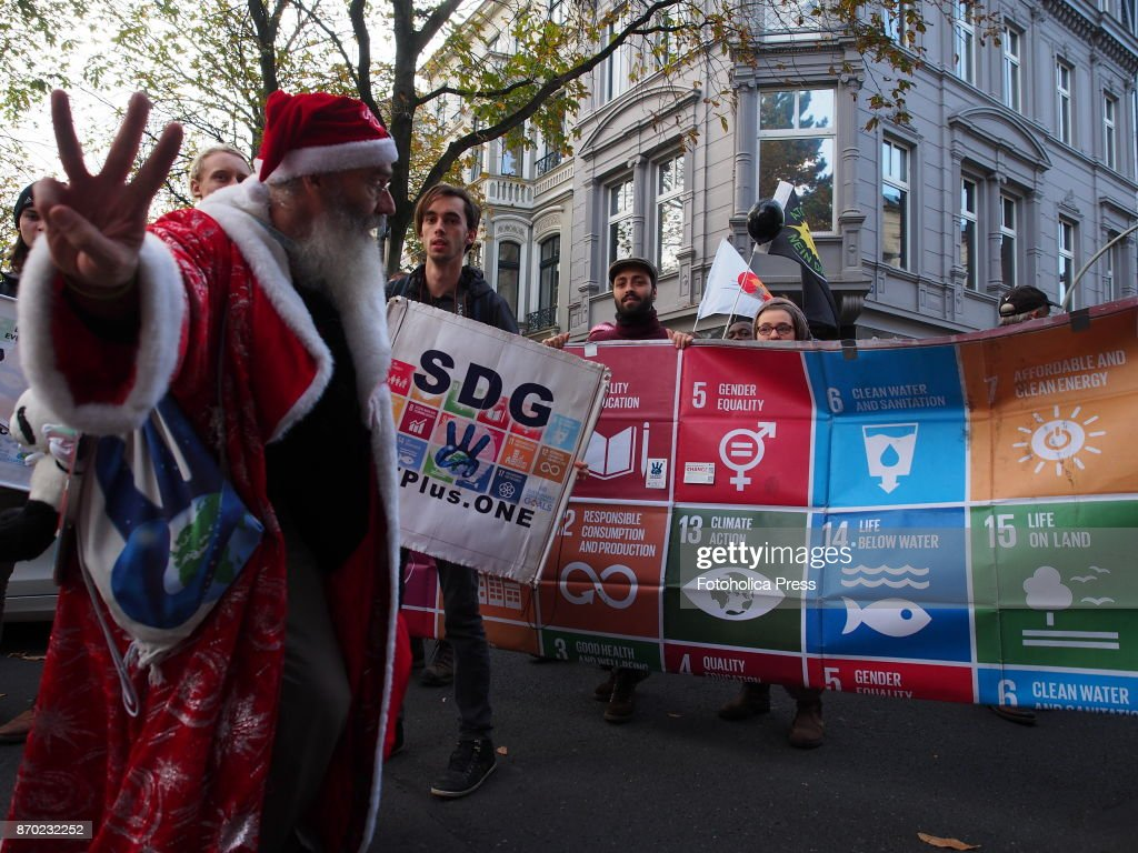 'Sustaina Claus' and the Sustainable Development Goals... : News Photo