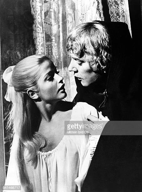 Sutherland Donald *Schauspieler Kanada mit Ewa Aulin in dem Film 'Die franzoesische Revolution fand nicht statt' 1971