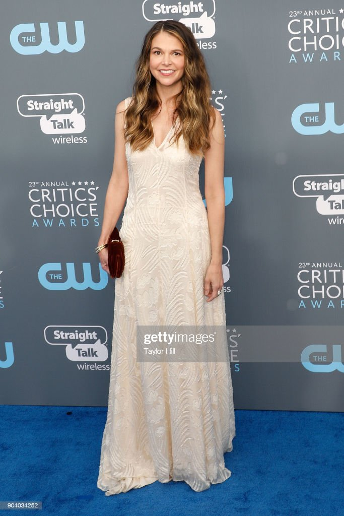 Sutton Foster attends the 23rd Annual Critics' Choice Awards at Barker Hangar on January 11, 2018 in Santa Monica, California.