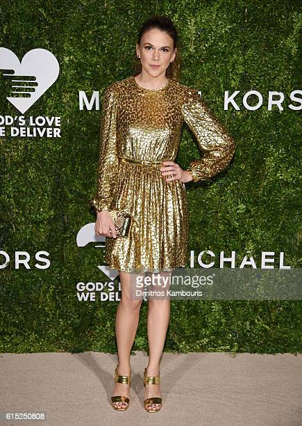 Sutton Foster attends the God's Love We Deliver Golden Heart Awards on October 17, 2016 in New York City.