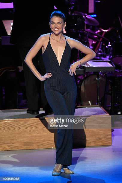 Sutton Foster performs onstage during the Sinatra Gala with New York Philharmonic at Lincoln Center's David Geffen Hall on December 3 2015 in New...