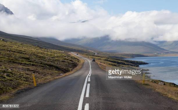 suðurfjarðavegur (route 96), iceland - austurland stock-fotos und bilder