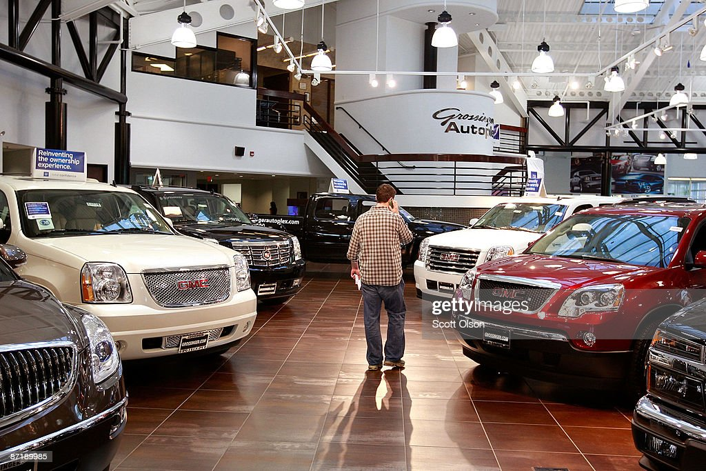 Chrysler And GM To Announce Closure Of Hundreds Of Dealerships : News Photo