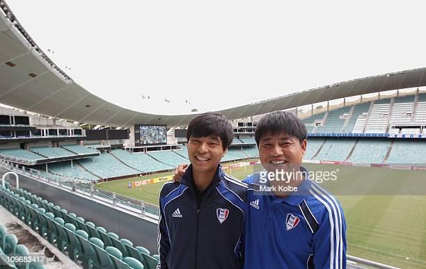 Suwon Samsung Bluewings captain Choi Sung-Kuk and Suwon Samsung Bluewings coach Yoon Sung-Hy pose during a Sydney FC Asian Champions League press...