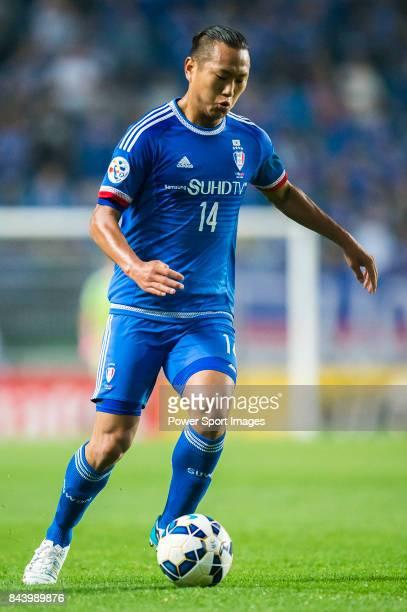 Suwon Samsung FC forward Chong Tese in action during the 2015 AFC Champions League Round of 16 1st Leg match between Suwon Samsung FC vs Kashiwa...