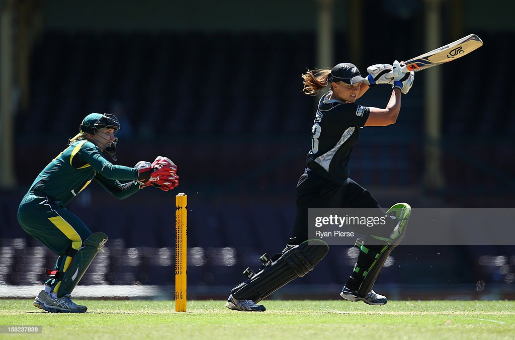 Suzannah Bates of New Zealand bats during the first Rose Bowl Series One Day International match between Australia Southern Stars and New Zealand Silver Ferns at the Sydney Cricket Ground on December 12, 2012 in Sydney, Australia.