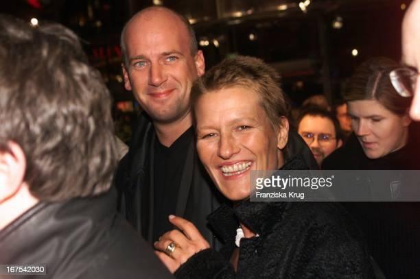 Suzanne Borsody Und Freund Jens Schniedenharn Bei Quills Premiere In Berlin