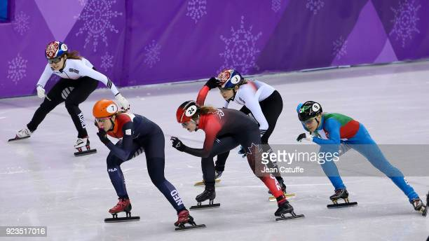 Suzanne Schulting of the Netherlands leads front of Minjeong Choi of South Korea Kim Boutin of Canada Sukhee Shim of South Korea and Arianna Fontana...