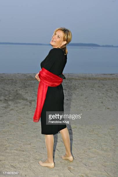 Suzanne Von Borsody Bei Der BenefizGala Anlässlich 5 Jahre Land Fleesensee Und 50 Jahre Sos Kinderdörfer Im Radisson Sas Schlosshotel Am 300405