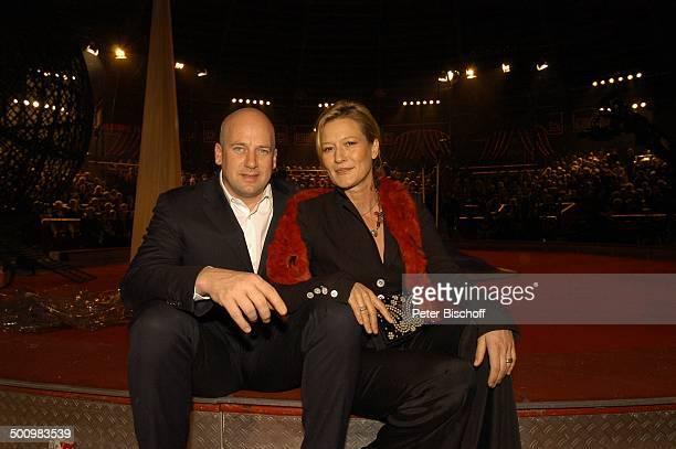 Suzanne von Borsody Freund Jens Schniedenharn ARDBenefizZirkusGala Stars in der Manege München Deutschland PNr 1465/2005 Circus Krone Publikum Promi...