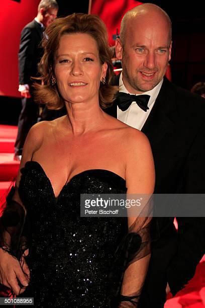 """Suzanne von Borsody , Lebensgefährte Jens Schniedenharn, 20. Verleihung """"Hessischer Film- und Kinopreis 2008"""", """"Alte Oper"""", Frankfurt, Hessen,..."""