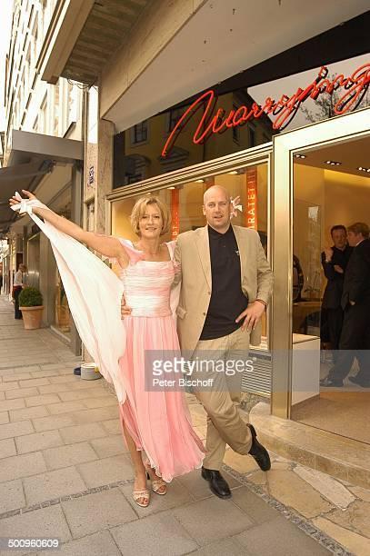 """Suzanne von Borsody, Lebensgefährte Jens Schniedenharn, Eröffnung Juweliergeschäft """"Marryring"""", München, Geschäft, Juwelier, Freund, Kleid,..."""