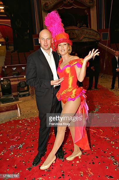 Suzanne Von Borsody Mit Freund Jens Schniedenharn Bei Der Galapremiere Stars In Der Manege Im Zirkus Krone In München