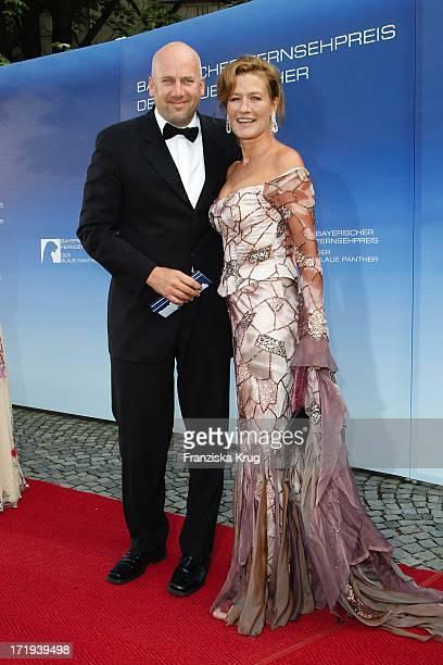 Suzanne Von Borsody Mit Freund Jens Schniedenharn Bei Der Verleihung Des Bayerischen Fernsehpreis Im Prinzregententheater In München