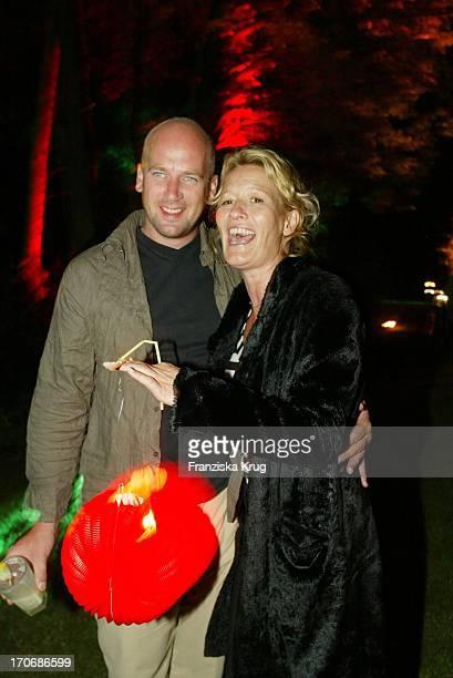 Suzanne Von Borsody Und Freund Jens Schniedenharn Bei Aftershow Party Des Stones Konzert In Berlin