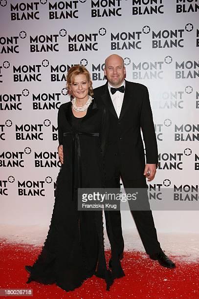 Suzanne Von Borsody Und Freund Jens Schniedenharn Bei Der Mont Blanc Party Night Of The Stars In Chamonix Am 020207