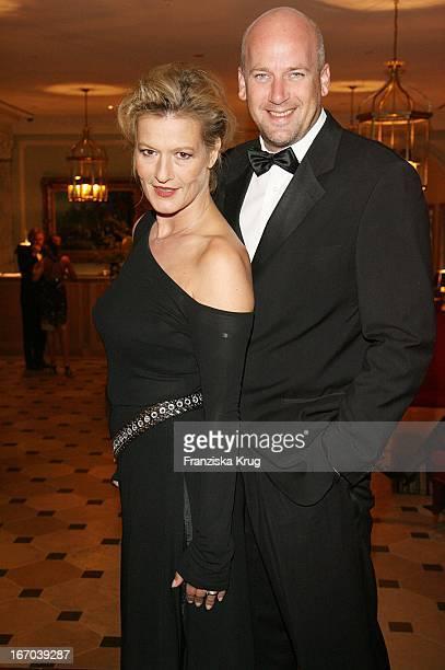 Suzanne Von Borsody Und Freund Jens Schniedenharn Bei Der Verleihung Der Gala Spa Awards Im Brenner'S Park Hotel In Baden Baden Am 170307