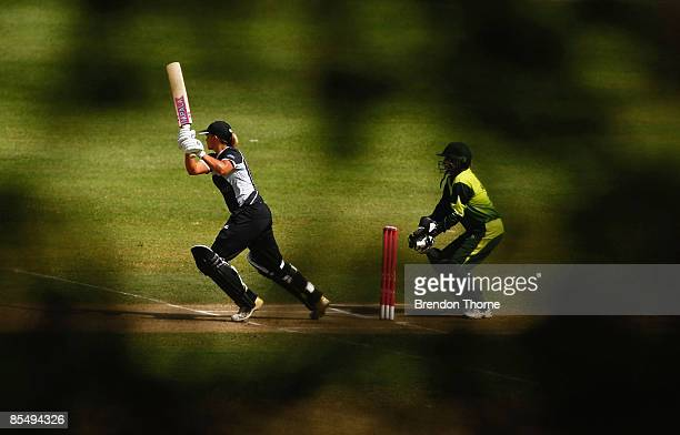 Suzie Bates of New Zealand bats during the ICC Women`s World Cup 2009 Super Six match between New Zealand and Pakistan at Drummoyne Oval on March 19...