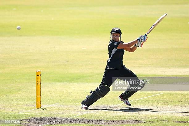 Suzie Bates of New Zealand bats during the Women's International Twenty20 match between the Australian Southern Stars and New Zealand at Junction...