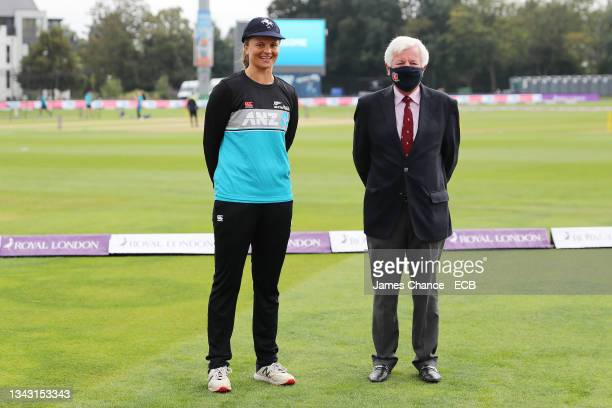 Suzie Bates of New Zealand is awarded her Kent cap by Derek Taylor, Kent President prior to the 5th One Day International match between England and...