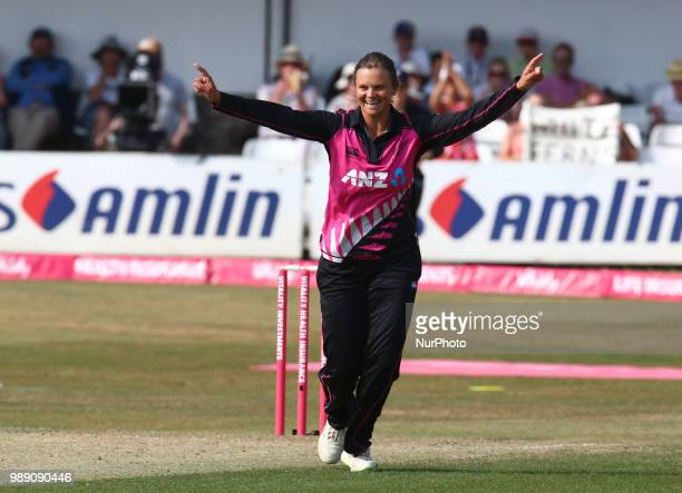 Suzie Bates of New Zealand Women celebrates the catch of Danni Wyatt of England Women caught by Leigh Kasperek of New Zealand Women during...